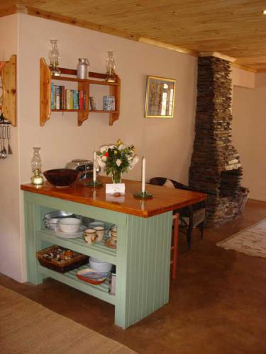 7-Stone-Kitchen-Fireplace